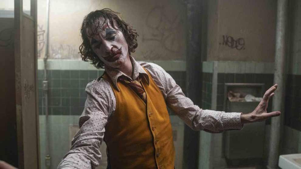 Joaquin Phoenix interpreta magistralmente al 'Joker' de Todd Phillips.