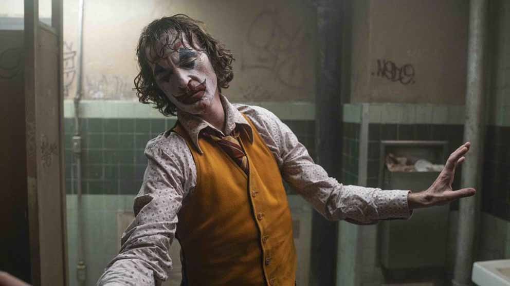 Joaquin Phoenix interpreta magistralmente al 'Joker' de Todd Phillips.