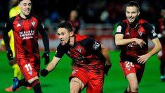 Merquelanz, Matheus Aias y Franquesa celebran un gol ante el Villarreal (EFE).