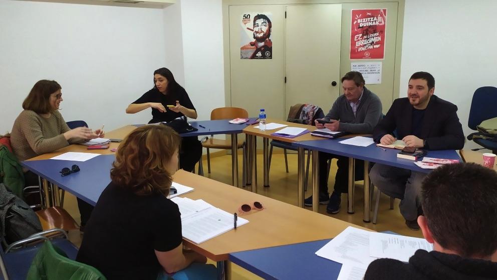 Reunión de la dirección de IU Madrid con Álvaro Aguilera al frente.