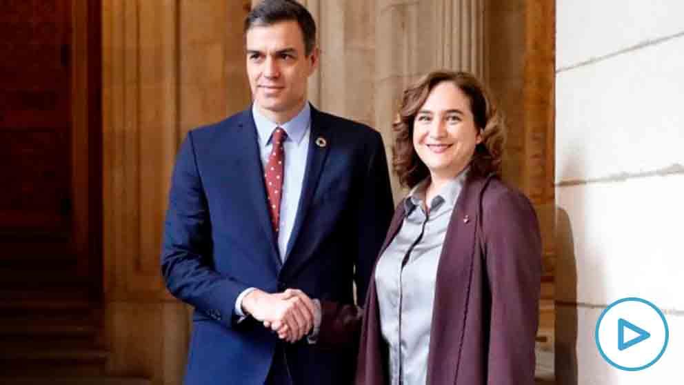 Ada Colau junto a Pedro Sánchez. Foto: EFE