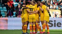 Las jugadoras del Barcelona femenino celebran uno de los goles. (@FCBemeni)