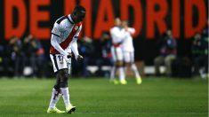 Advíncula celebra un gol del Rayo la temporada pasada (AFP).