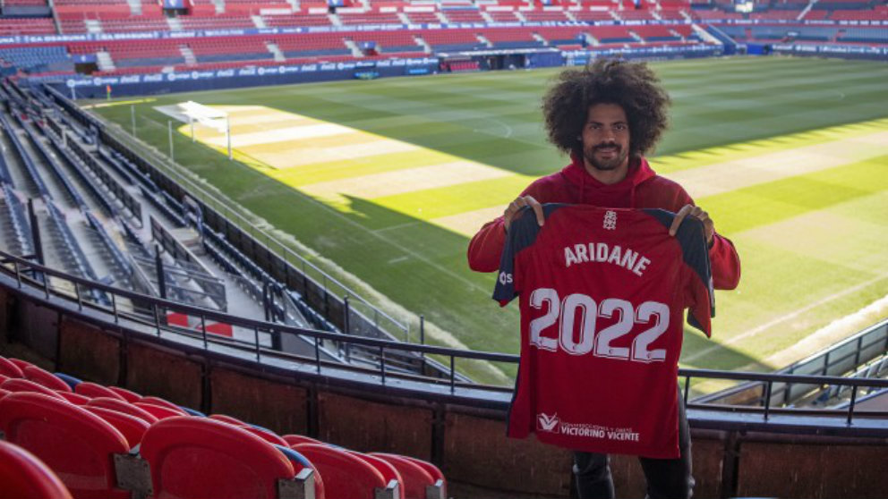 AridaneHernández, renueva con Osasuna. (Club Atlético Osasuna)