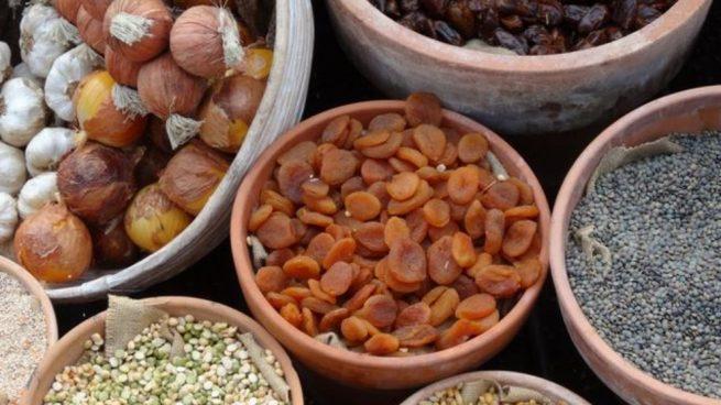 Las legumbres son ricas en diversas vitaminas y minerales, como el hierro.