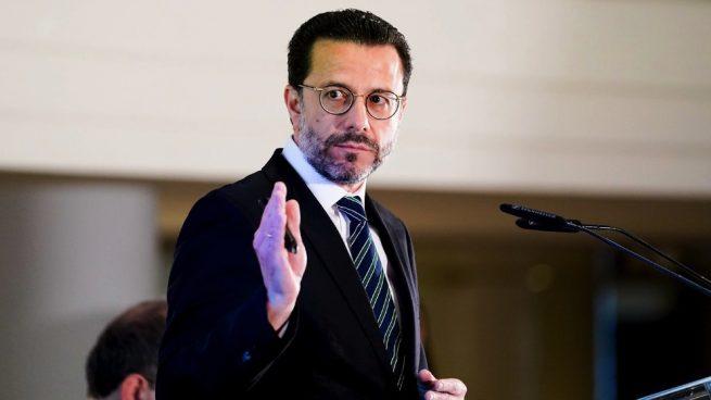 Madrid denuncia la «cesión» de Sánchez a Urkullu para que acuda a la conferencia de presidentes