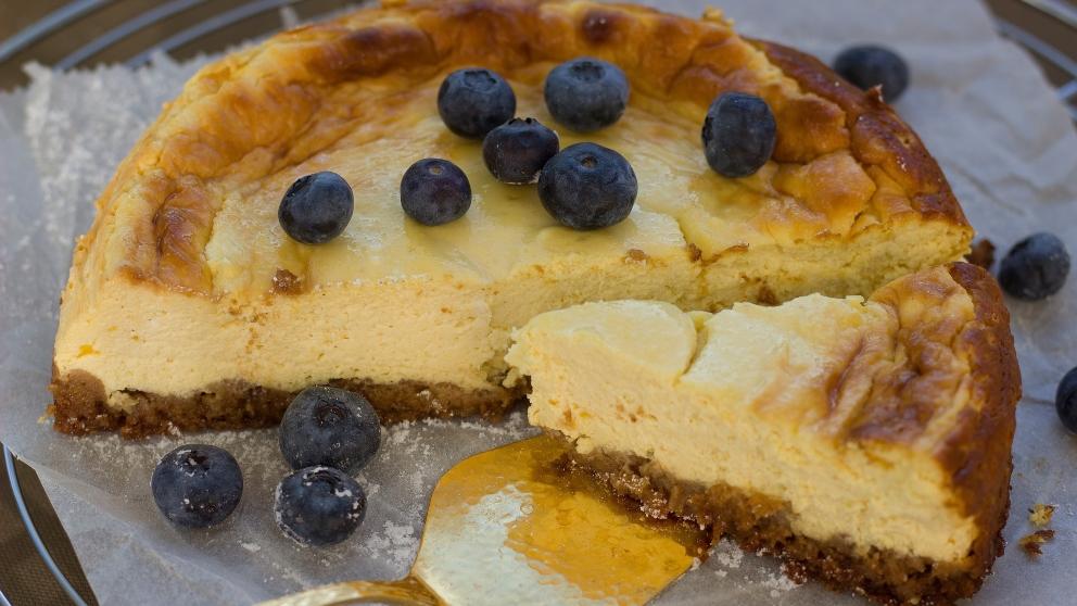 Receta de Pastel de queso mascarpone con frutos del bosque