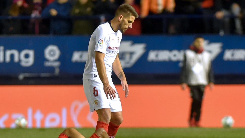 Daniel Carriço con el Sevilla. (AFP)
