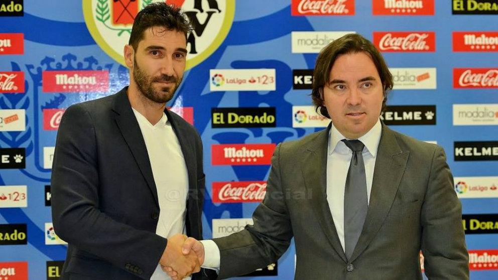 David Cobeño con Raúl Martín Presa. (Rayo Vallecano)