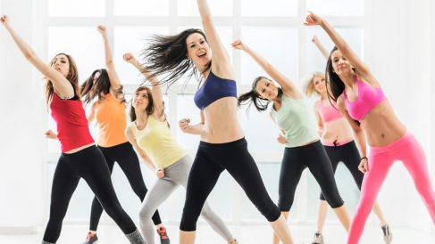 El zumba es uno de los mejores bailes para perder peso