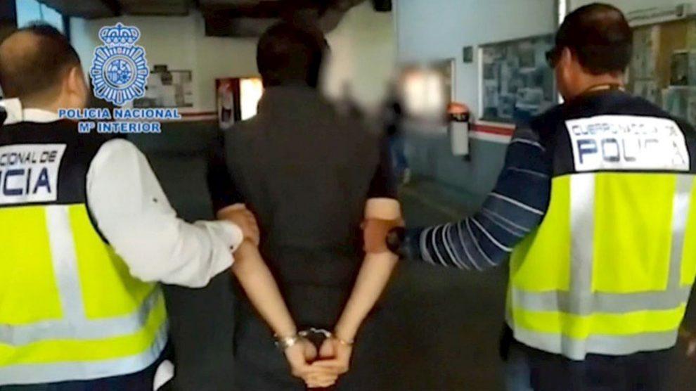 Emilio Lozoya, ex director general de Pemex, en el momento de su detención. (Efe)