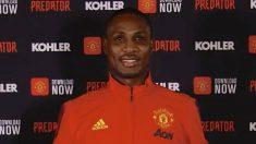 Ighalo, presentado como jugador del Manchester United.