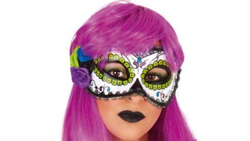 Una peluca o un antifaz son dos accesorios básicos en Carnaval