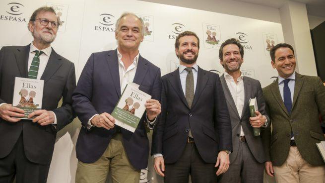 González Pons presenta su novela acompañado de Casado y Rajoy