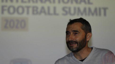 Ernesto Valverde, durante  el acto celebrado hoy en Bilbao. (EFE)