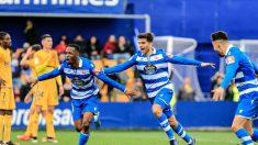Los jugadores del Deportivo de La Coruña celebran un gol.