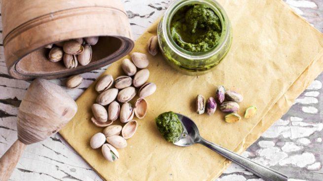 Receta de pesto de hojas de hinojo y pistachos