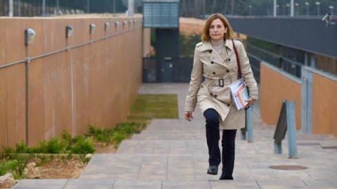 La expresidenta del Parlament Carme Forcadell saliendo de la cárcel de Mas d'Enric. Foto EP