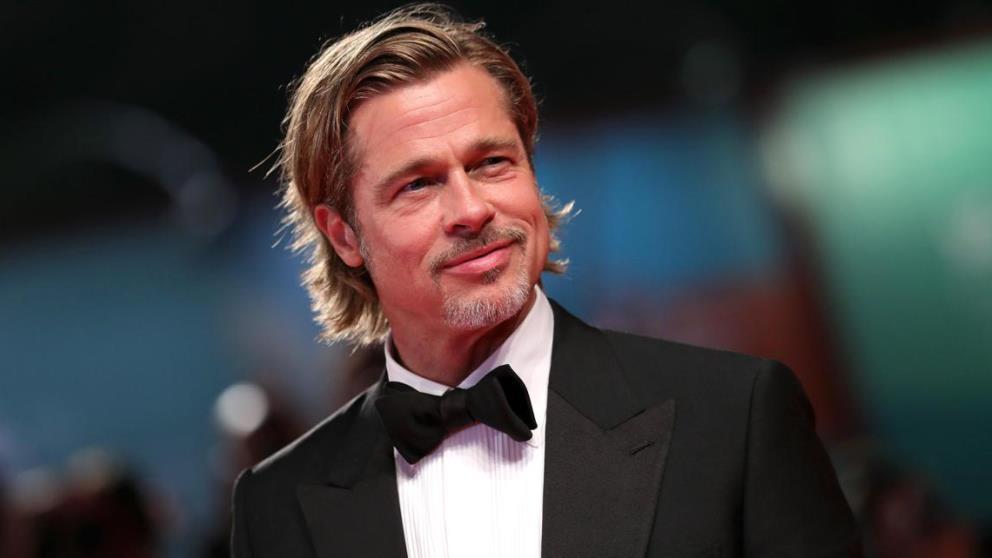 Parece ser que a Brad Pitt no le gusta ducharse…
