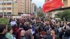 Miles de personas denuncian la gestión de las administraciones en el derrumbe de Zaldibar. Foto: EP
