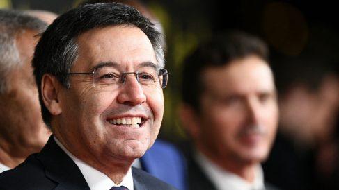 Bartomeu, sonriente en rueda de prensa. (AFP)
