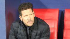El Cholo Simeone, durante el partido frente al Liverpool. (Foto: David García).