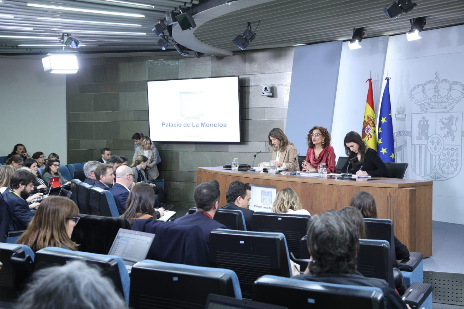 Las ministras Montero y Díaz en la comparecencia tras el Consejo de Ministros de este martes.