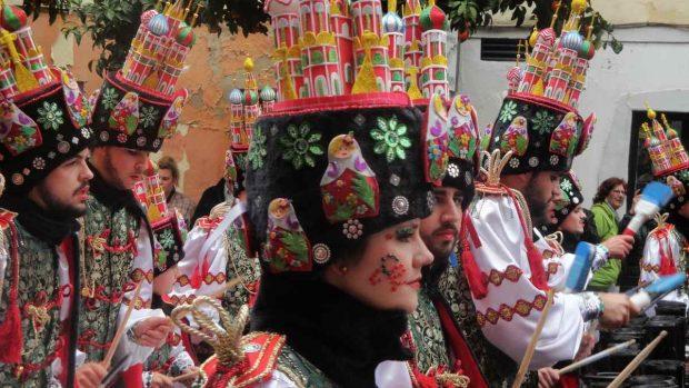 Comparsas y grupos de carnaval