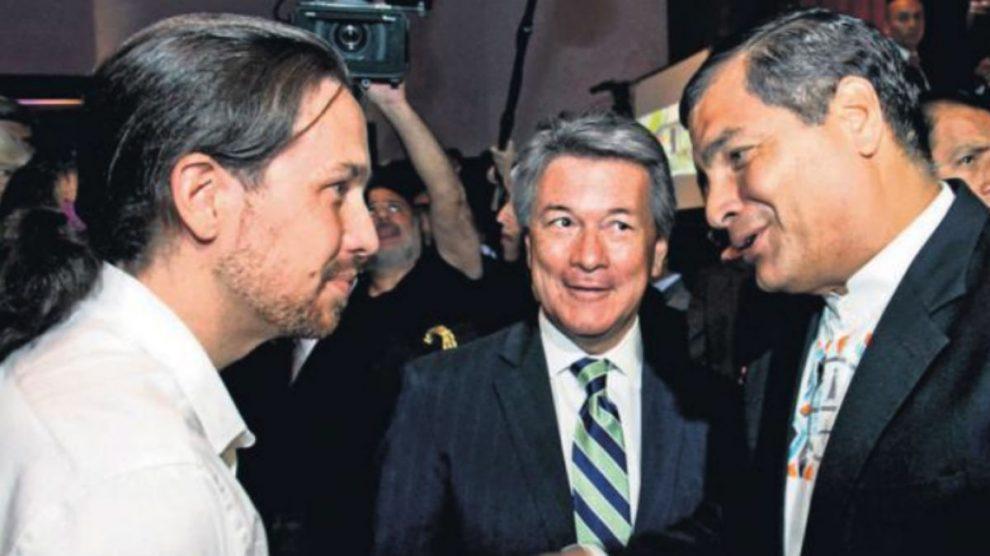 Pablo Iglesias y Correa, durante una visita del líder de Podemos a Ecuador en septiembre de 2015.