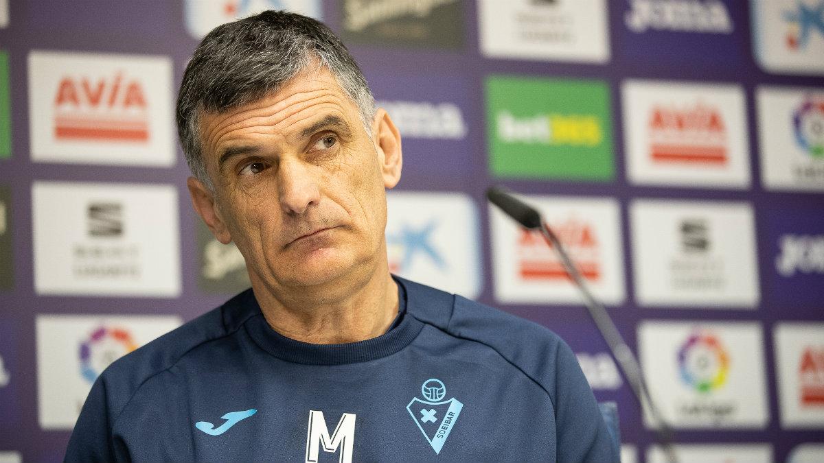 José Luis Mendilibar, entrenador del Eibar, en rueda de prensa. (@SDEibar)