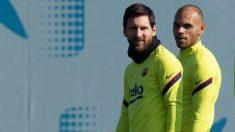 Martin Braithwaite, junto a Messi en el su primer entrenamiento. (EFE)
