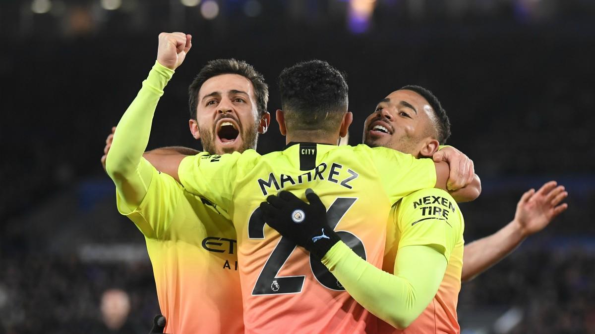 Los jugadores del City celebran un gol. (Getty)