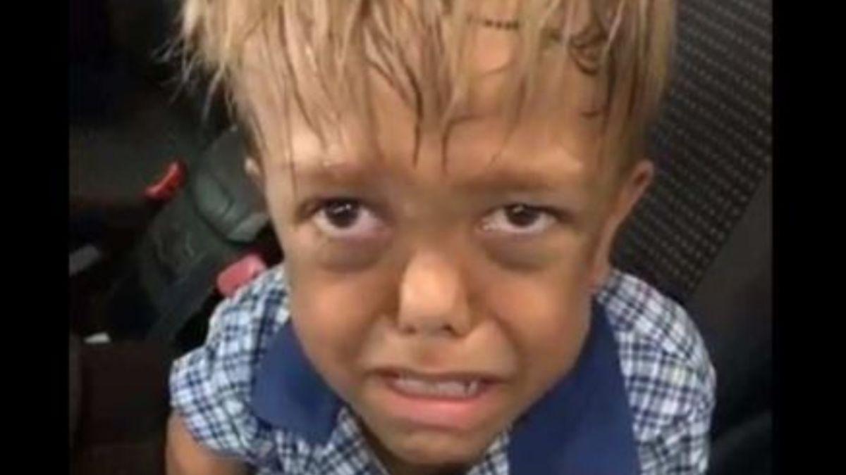 La madre del niño australiano que sufre bullying estalla tras los rumores de que es un actor