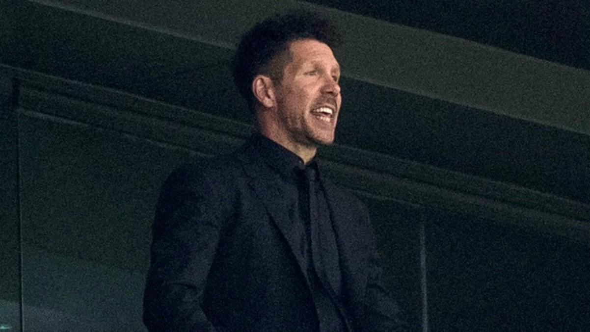 Simeone, en el palco durante el Atlético – Villarreal. (EFE)