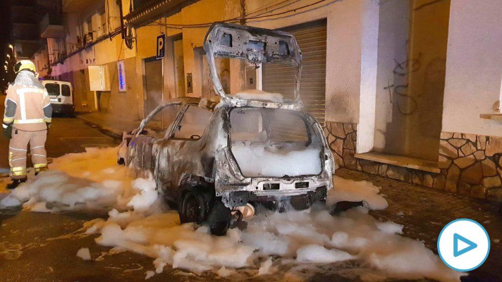 Así han quemado el coche del portavoz de Vox en Salt (Gerona).