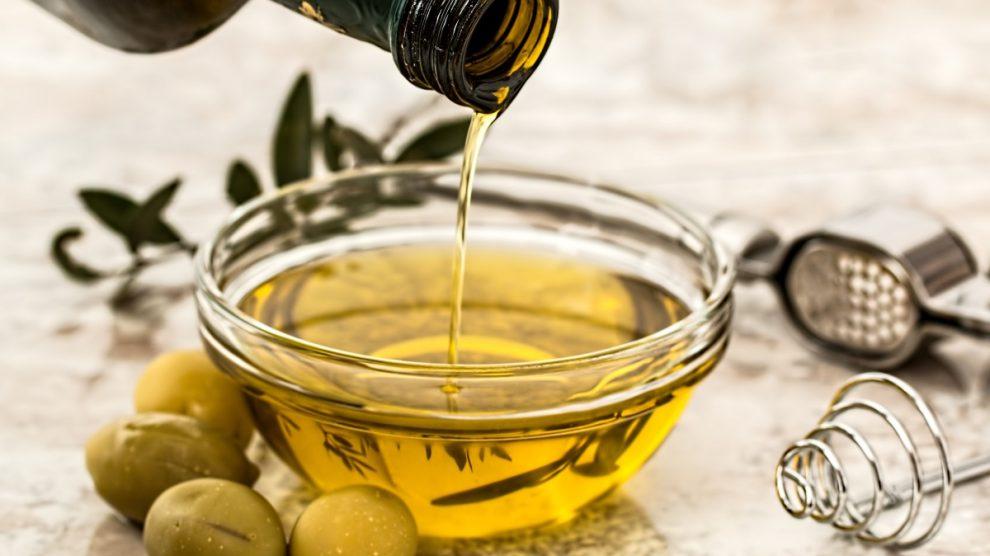 El aceite de oliva es excelente para tratar la piel