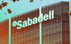 Sabadell se pone guapo para la fusión que le exigen sus dos principales accionistas