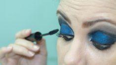 El azul es uno de los colores que más destacan este año para las sombras de ojos