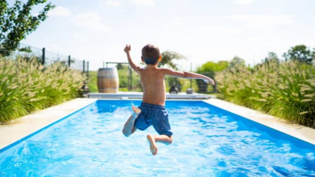 Cómo ayudar a los niños con miedo al agua