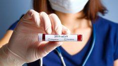 Sanidad restringe la realización del test del coronavirus a pacientes ingresados y personal «esencial».