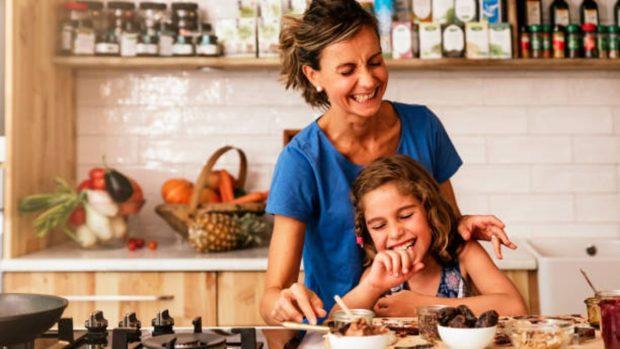 Recetas para niños: 2 meriendas deliciosas y saludables que podemos hacer en casa