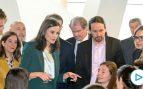 El republicano Pablo Iglesias se estrena como ministro con la Reina Letizia