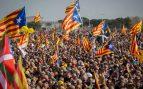 El separatismo clama el «lo volveremos a hacer» en el acto de Puigdemont en Perpiñán ante el silencio de Sánchez