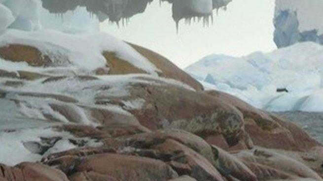 isla oculta en la Antártida