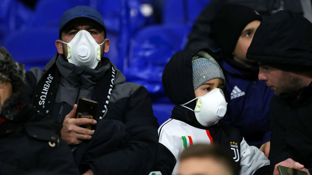 Aficionados de la Juventus en el partido de Champions contra el Lyon. (Getty)