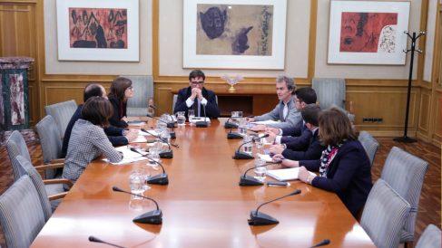 El ministro de Sanidad reunido por la crisis del coronavirus. Foto: EP