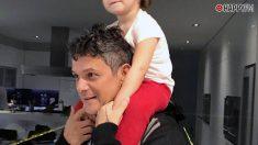 Alejandro Sanz y su hija pequeña Alma