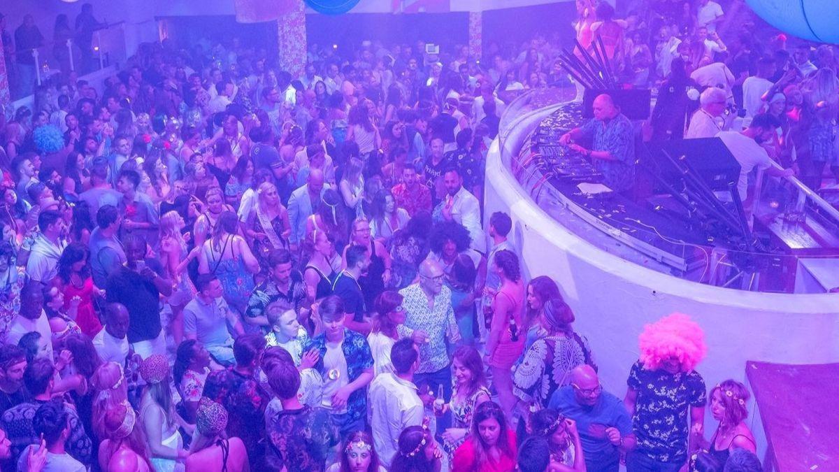 Las discotecas de Ibiza estarán abiertas hasta el mediodía
