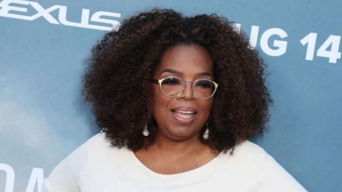 Oprah Winfrey se cae mientras realizaba la gira 'Oprah's 2020 Vision Tour'