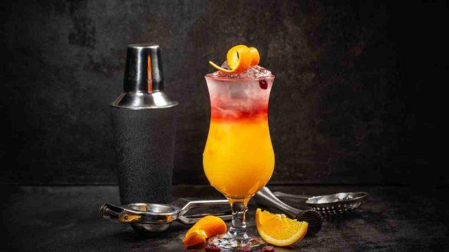 Cóctel refrescante de naranja